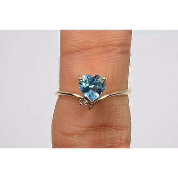 14k Yellow Gold .80 ct Blue Topaz & Diamond Cocktail Ring Not Enhanced Size 6