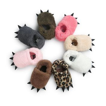 WONBO Cute Modeling Monster Paw Baby Worm Slippers 2017 Winter Baby Shoes First Walkers Photo Props Accessories Baby Clothing