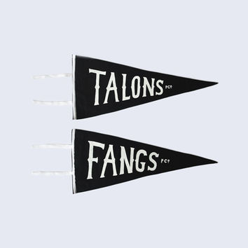 Talons & Fangs Team Flag