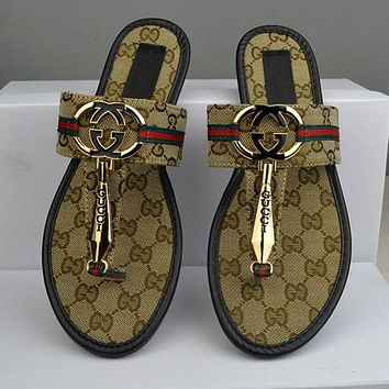 GUCCI 2018 trendy women's beautiful high-quality floral print sandals slippers F