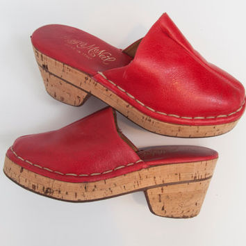 Red 1970s Vintage Leather Clogs w/ 3 in. Cork Heel / hippie 4th of july outfit clothing 70s Womens size 8 9 Red Summer Sandals Mules Heels