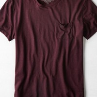 AEO Men's Legend Pocket T-shirt (Black Cherry)