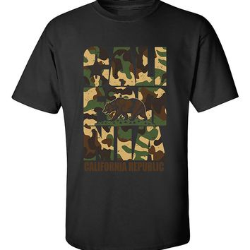 California Camoflag  Vintage California Republic Camoflag Cali Bear T-Shirt