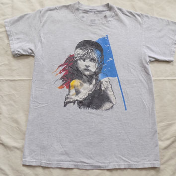 Vintage 90's Les Miserables grey heather T shirt, size Medium musical play movie