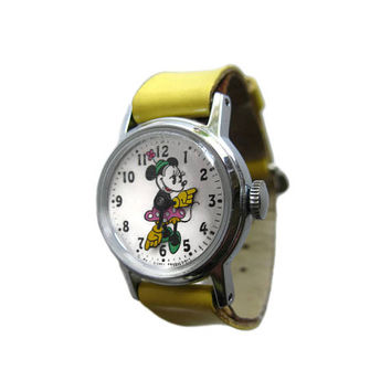 Minnie Mouse Mechanical Watch in Working Condition - Walt Disney Productions - Minnie MouseFlower Pot Hat Wind Up Watch - Pie Eye Minnie