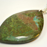 Green Collaprase stone Pendant Necklace on Sterling Silver 18 inch chain