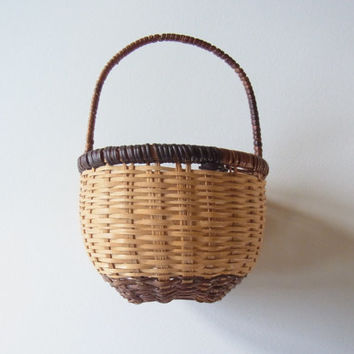 basket / vintage basket / small basket/ small woven basket /  handwoven / vintage / vintage woven basket /