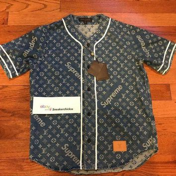onetow One-nice? LOUIS VUITTON x SUPREME LV Monogram Blue Denim Baseball Jersey MEDIUM M