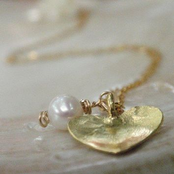 HOLIDAY SALE Pearl Heart Necklace 14K Gold by AnnalisJewelry