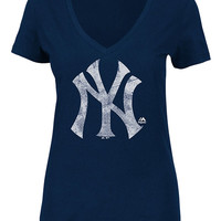 New York Yankees T-Shirt - Navy Blue Yankees Keep Advancing Short Sleeve V-Neck
