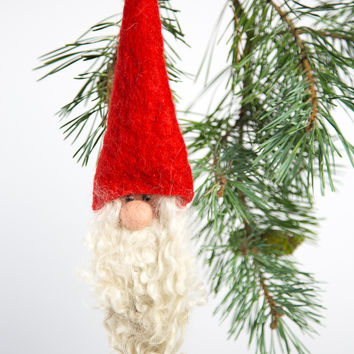FELTED SANTA ORNAMENT RED