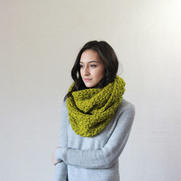 The Bourdon, chunky textured knit infinty scarf - LEMONGRASS