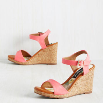 It's All for Chaud Wedge in Strawberry