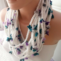 NEW -Loop Scarf-White Flower Scarf - Chunky Chain Scarf