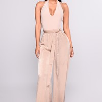 Leggy Legend Satin Pants - Mocha