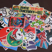 Random Collocation 50pcs Mixed Funny Hit Stickers For Kids On Laptop Sticker Decal Fridge Skateboard Doodle Stickers Toy
