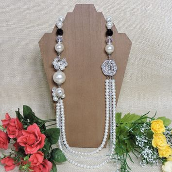 Chunky Vintage Style Necklace Faux Pearl Strand Crystal Clear Beads Rhinestone