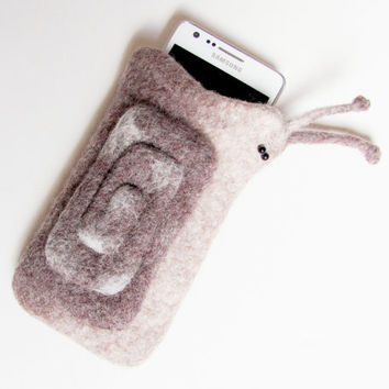 Felted Case for Samsung Galaxy S3 S2. Cell Phone Case. Snail Spiral Cochlea Helix. Brown. White. Natural colors. Pastel