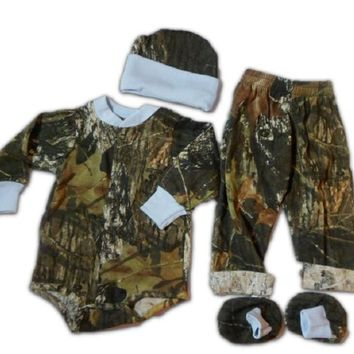 Mossy Oak Baby Boys Set - Long Bodysuit Pants Hat Booties 4pc Gift Set Newborn