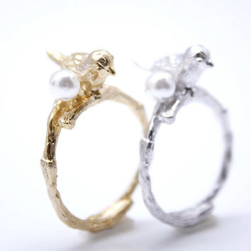 Tiny Bird with pearl egg adjustable ring in 2 colors