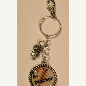 FALL SALE Teacher Key chain, Owl charm, silver plated Pendant key chain, Makes a Great end of the year Teacher Gift