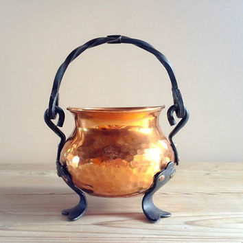 Vintage copper metal hammered plant pot with hanger made in Sweden