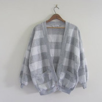 80s vintage gray and white cardigan sweatshirt. striped sweatshirt. size L