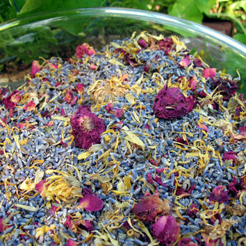Potpourri Herbal Blend, Lavender Scented. Bulk ( 8 ounces) Organic herbs to make scented sachets, bath tea & bridal shower favors
