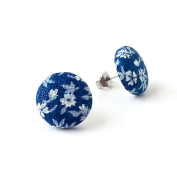 Blue stud earrings - floral button earrings - tiny fabric earrings - flowers leaves indigo small