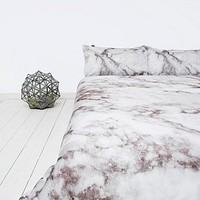 Romeo Duvet Set in White - Urban Outfitters