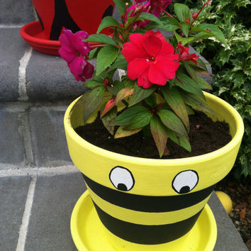 Hand Painted Pot Flower Clay Bumble Bee Decor Garden