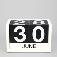 Moveable Tile Desk Calendar - Urban Outfitters