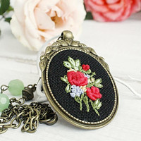 Boho Pendant Red Roses bouquet hand embroidered jewelry beaded necklace Nephritis green gemstone bohemian black elegant coral salmon evening