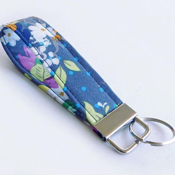 Floral Key Fob / Flower Keychain / Pretty Key Chain / Wrist Lanyard / Wristlet / Keychain Lanyard / Blue Floral / Back to School / Flowers
