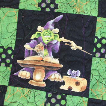 Halloween Lap Quilt in Black & Green Sofa Throw