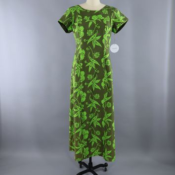 Vintage 1960s Hawaiian Maxi Dress / Olive Green Floral Print