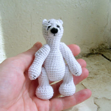 Miniature polar bear, tiny crochet miniature white bear, artist ice bear, stuffed bear, soft small toy, collectible toy, miniature animal