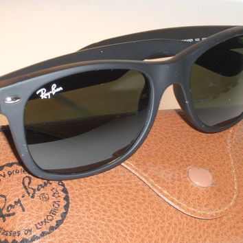 RAY BAN RB2132 52[]18 MATTE BLACK G15 UV GLASS LENS WAYFARERs SUNGLASSES w/CASE