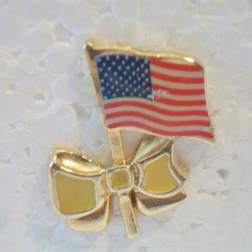 Vintage Camco American Flag Bow Lapel Pin Patriotic Costume Jewelry