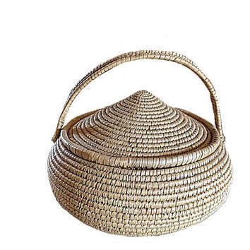 Vintage Oriental Basket, Tea Basket, Japanese Basket, Chinese Basket, Vintage Sewing Basket, Easter Basket, Primitive Basket, Kitchen Basket