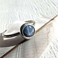 star sapphire ring, sapphire silver ring, blue star sapphire ring, slim silver wedding band, sapphire engagement ring silver hammered