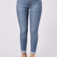 Buffy Jeans - Medium Wash