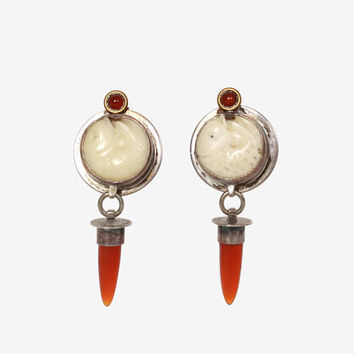 Vintage Sterling Carved Fish Earrings / 1980s Sterling Silver Bovine & Carnelian Drop Pierced Earrings