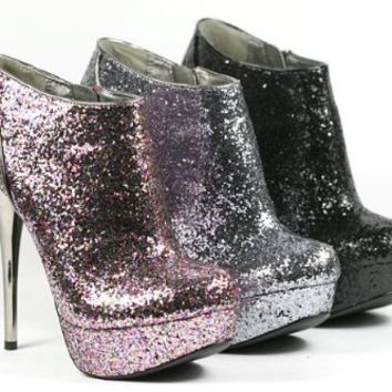 Pewter (Silver) Glitter Bootie by Qupid (Neutral-237) (7.5)