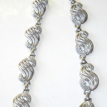 Retro Silver Tone Swirl Link Necklace, fashion jewelry, chunky statement necklace, career jewelry