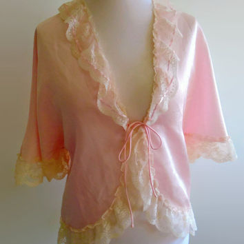 Vintage pink bed jacket - ruffled cream lace capelet  - silky nylon romantic lingerie - glamour pin up nightwear