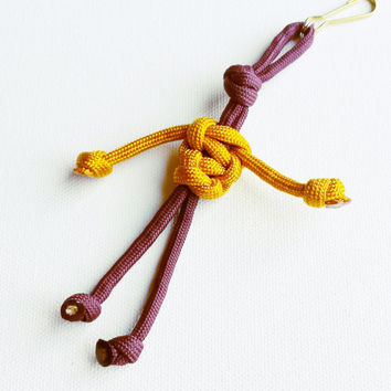 Paracord Keychain - 550 Paracord - Survival Keychains - Burgundy & Gold Keychain - Para-Bandit - Zipper Pull - Stocking Stuffers