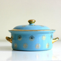 Vintage Hall French Daisy Covered Casserole Dish by WiseApple