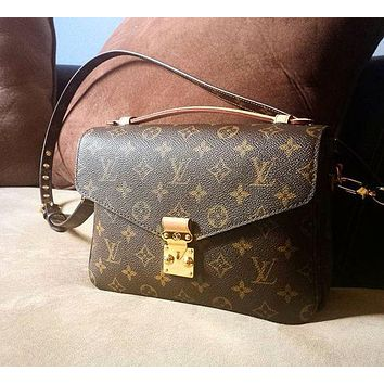 LV classic women's tide brand handbag shoulder bag Messenger bag