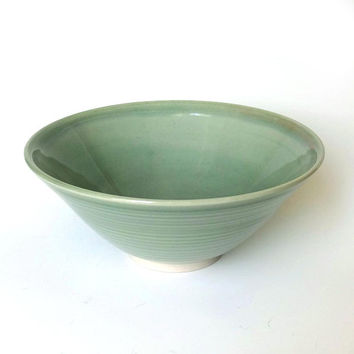 Porcelain bowl, serving bowl, green ceramic bowl, handmade, green pottery bowl, noodle bowl